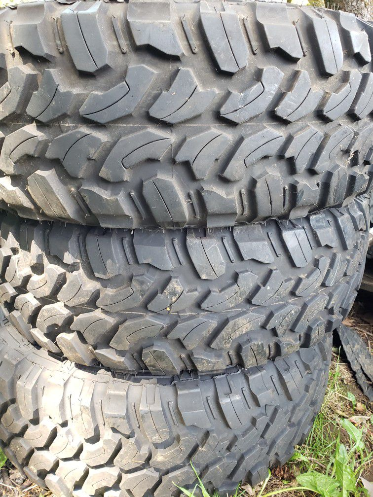 Photo Windforce Catchfors Truck Tires 31x10.50R15LT