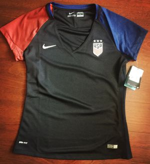 USA women soccer team jersey for Sale in Malden f93e326d16