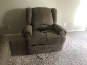Love seat and electric recliner for Sale in Midlothian, VA