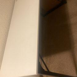 White and black Desk Thumbnail