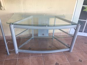 Glass tv stand for Sale in Hialeah, FL