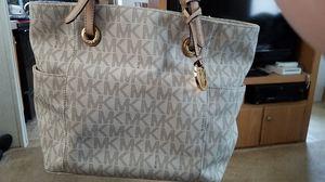 Michael Kors purse for Sale in Lynchburg, VA