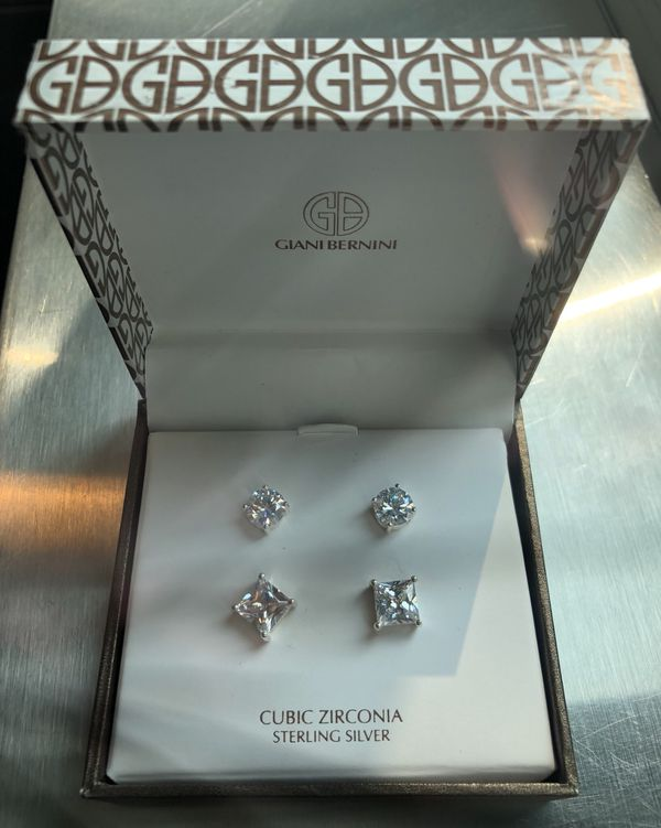 8d14262fb Giani Bernini cubic zirconia sterling silver studs earrings for Sale in  Gresham, OR - OfferUp