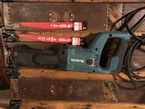 Makita JR3050T SAWZALL with new blades for Sale in Tacoma, WA