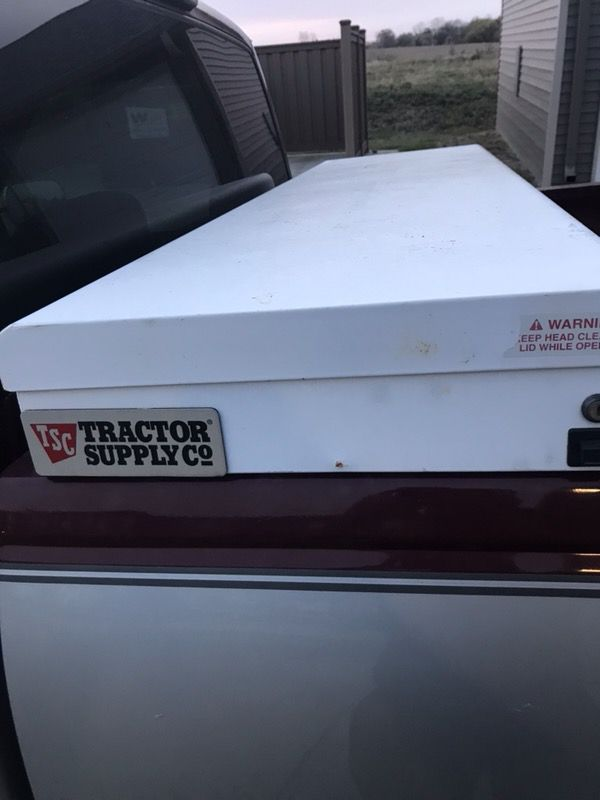 tractor supply white truck tool box /w lock and key for sale in ...
