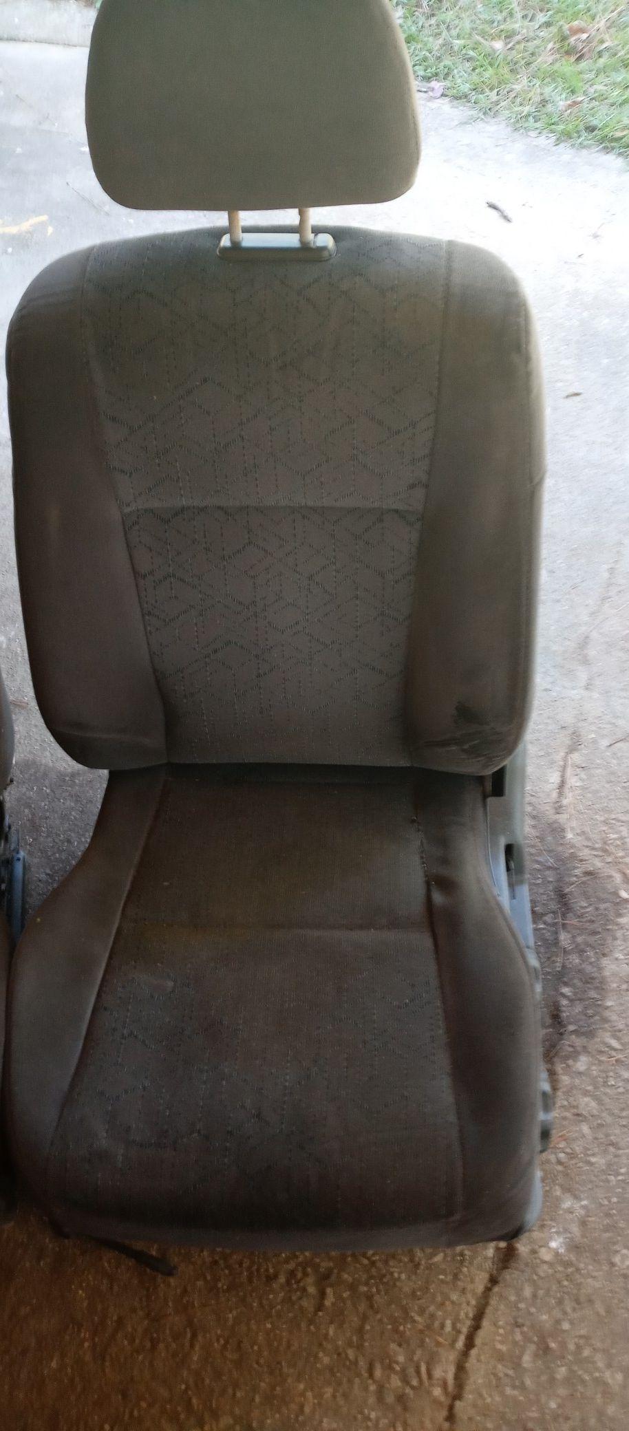 Ek 99-00 front seats