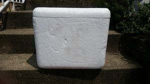 Cooler with freezer pack for Sale in Pittsburgh, PA