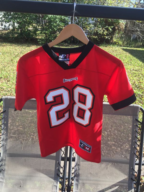 uk availability 83852 0e032 Vintage Tampa Bay Buccaneers Warrick Dunn Jersey for Sale in Houston, TX -  OfferUp