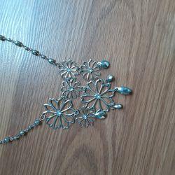 Flower Necklace  Thumbnail