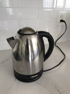 Electric kettle - pick up in Sterling for Sale in Sterling, VA