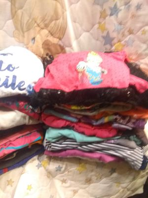 Little girls size 4l 5 in really good shape 35 pieces all for the low price of $20 for Sale in St. Louis, MO