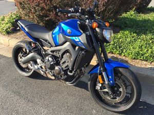 2016 Yamaha FZ-09 with only 1400 Miles for Sale in Falls Church, VA