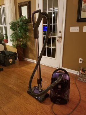 KENMORE VACUUM CLEANER LIKE NEW for Sale in Simpsonville, SC