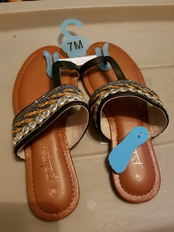 a340a19cdaff These are a pair palms Sandals new for Sale in Portsmouth