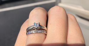 16 point Jared engagement ring and wedding band for Sale in Apopka, FL