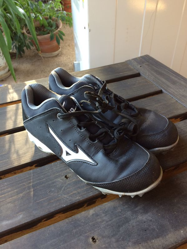 5fcee8fd3b9 MIZUNO FASTPITCH SOFTBALL  9 SPIKE FINCH ELITE SWITCH  MOLDED CLEATS – SIZE  7   7.5 for Sale in Dallas