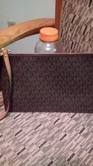 Brand New small purse Michael Kors for Sale in Lemon Grove, CA