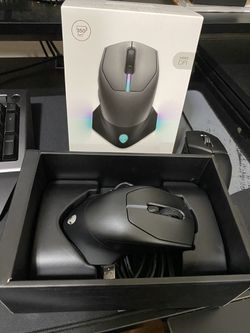 Alienware Wireless/Wired Mouse Thumbnail