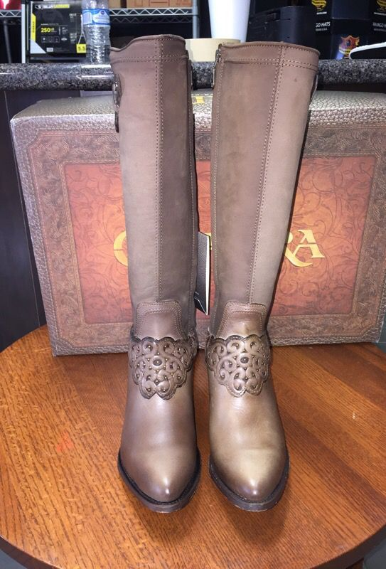 b4be50fb4 Women boots Cuadra estilo 3F03CS es color Arena Taupe for Sale in Santa  Ana