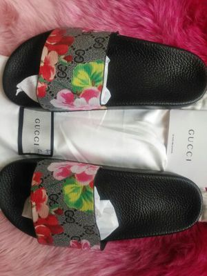 Gucci. What's your size? No trade . pick up only. Click on my name for more stuff.Check if you can pick up first. 6823 New Hampshire for Sale in Hyattsville, MD
