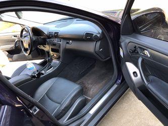 2001 Mercedes-Benz C-Class Thumbnail