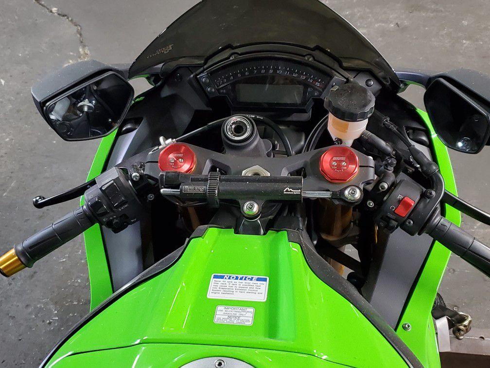 2014 Kawasaki Ninja ZX-10R, Pristine, TONS of upgrades