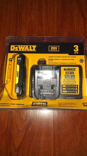 Photo DEWALT 20-Volt MAX Lithium-Ion Battery Pack 3.0Ah with Charger