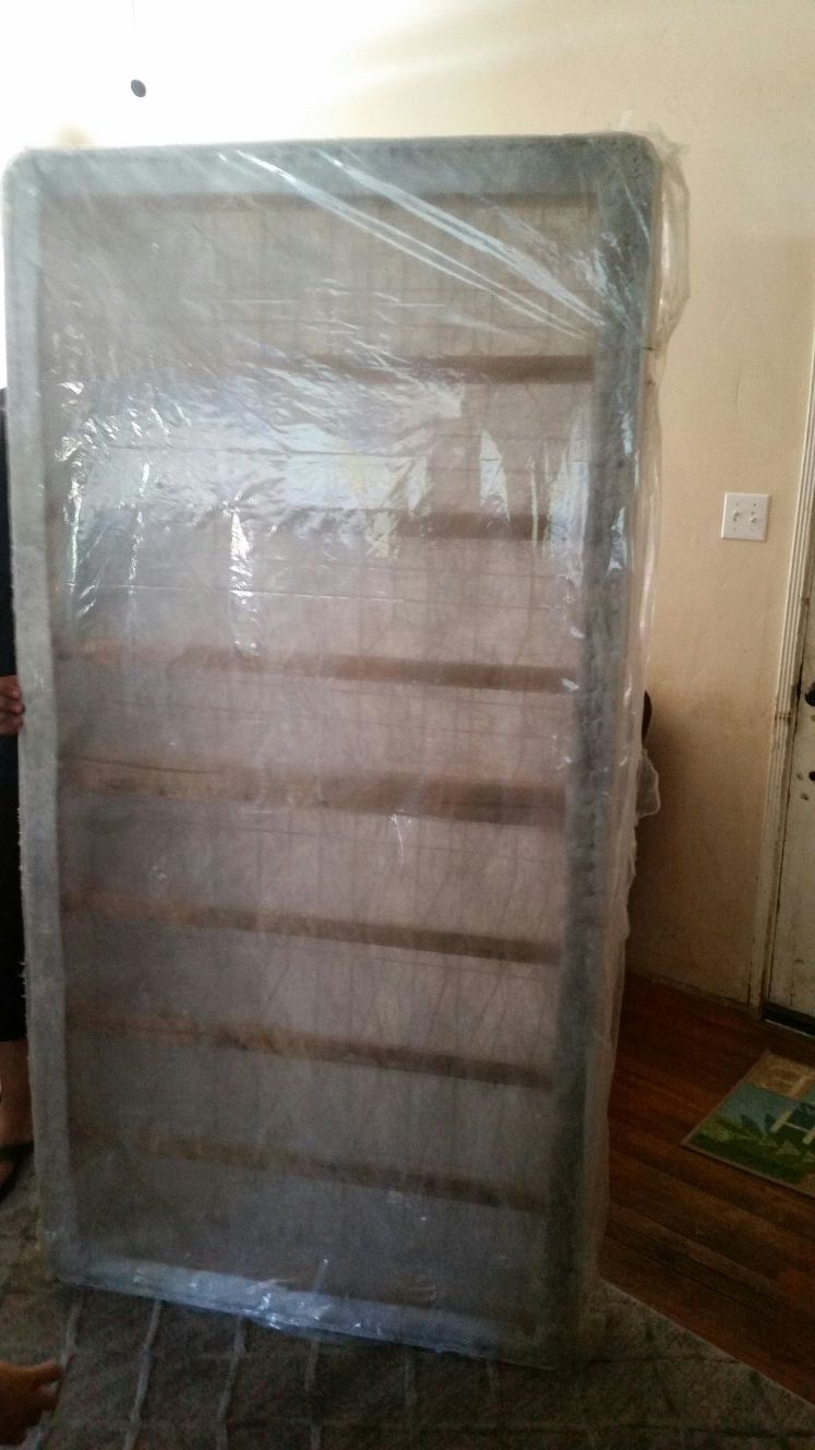 Simmons Twin Box Spring
