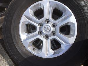 Photo 2019 Toyota 4- Runner OEM factory alloy rim & tire take offs