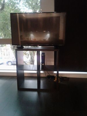 42 inch Tv with stand and Google chrome for Sale in Seattle, WA