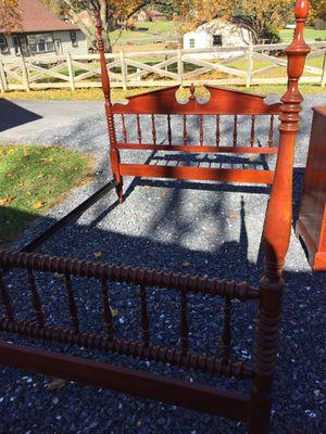 "3pc.Cherry Bdrm Set,Full Size Bed, Headboard,footboard,side rails &slats,dresser w/mirror,35 1/2""tall,44""long,20 1/4""deep,Chester 43 1/2"" tall,36""lon for Sale in Waynesboro, VA"