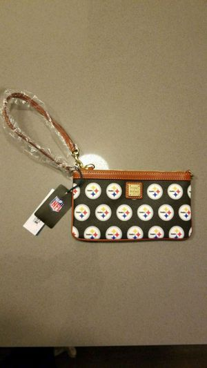 Dooney and Bourke Wristlet for Sale in Washington, DC