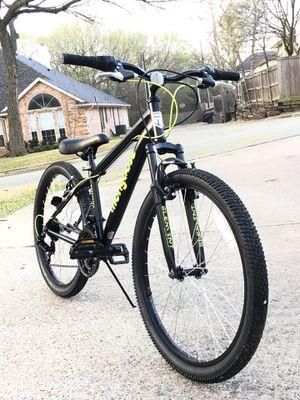 Photo Mongoose Excursion Mountain Bike, Boys', 24, Black/Neon Green