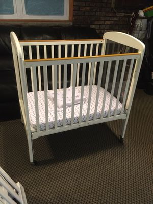 Photo Safety Craft Compact Mini Baby Crib w/ Mattress