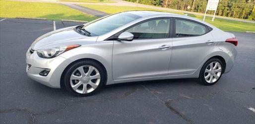 2013 Hyundai Elantra Thumbnail