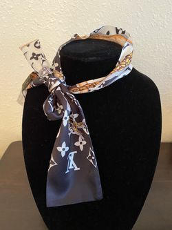 🧣 scarves Thumbnail
