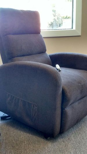 New Serta lift chair recliners for Sale in Madison Heights, VA