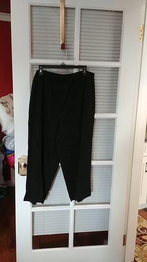 AKS woman 1X black capri pants for Sale in West Covina, CA