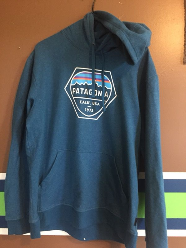 32dfdaf3f Patagonia hoodie size medium, not supreme, north face, quick silver,  adidas, nike, nmd thrasher off white for Sale in Port Orchard, WA - OfferUp