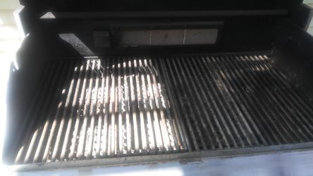 Professional gas grill Thumbnail