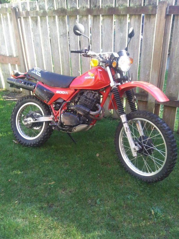 Photo 1982 Honda XL500R endruo motorcycle with title runs great no trades and wont respond to lowballers