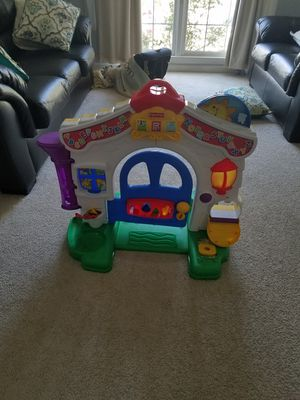 Car Ramp and Toy House for Sale in Clifton, VA