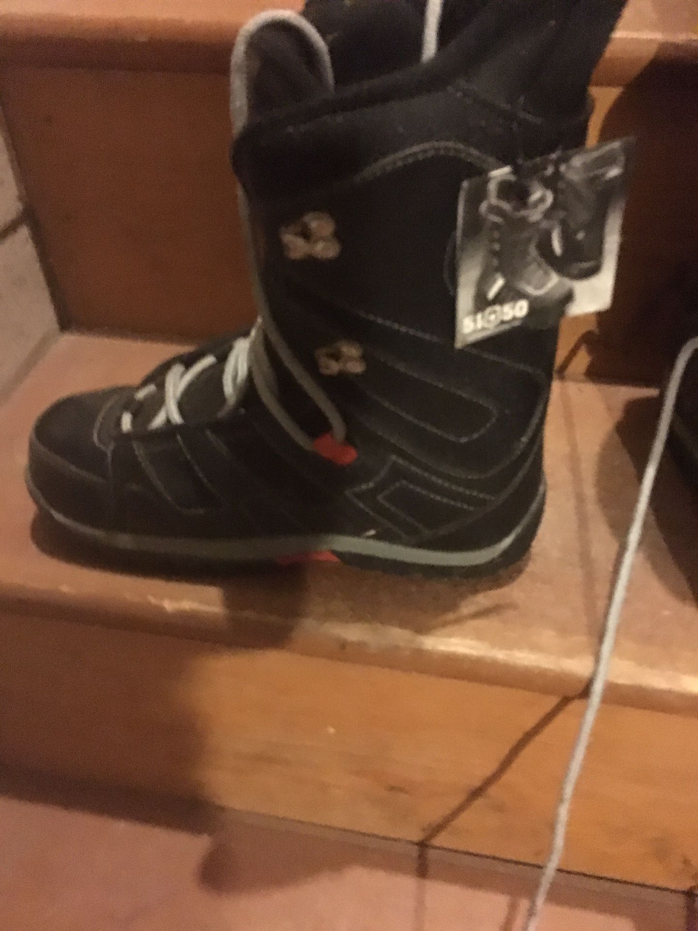 size 6 snow boarding boots
