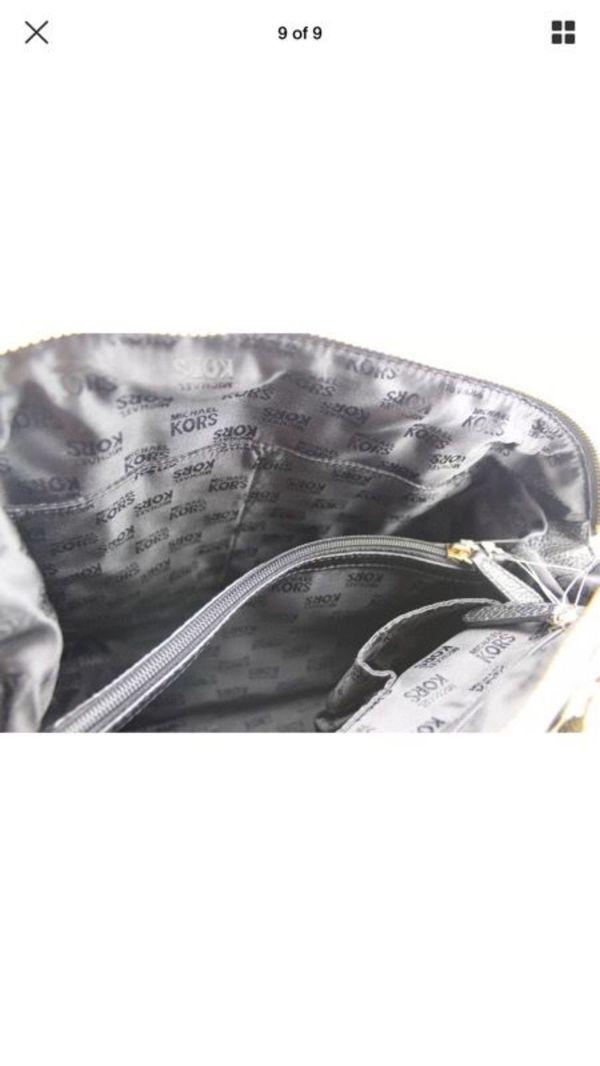 fa7b73628a17 Michael Kors Naomi Large Bowling Black Leather Satchels Handbag. (Jewelry    Accessories) in Chicago Ridge