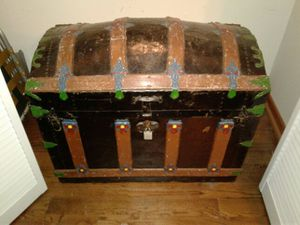 Antique 1900s Dome Trunk. for Sale in Chicago, IL