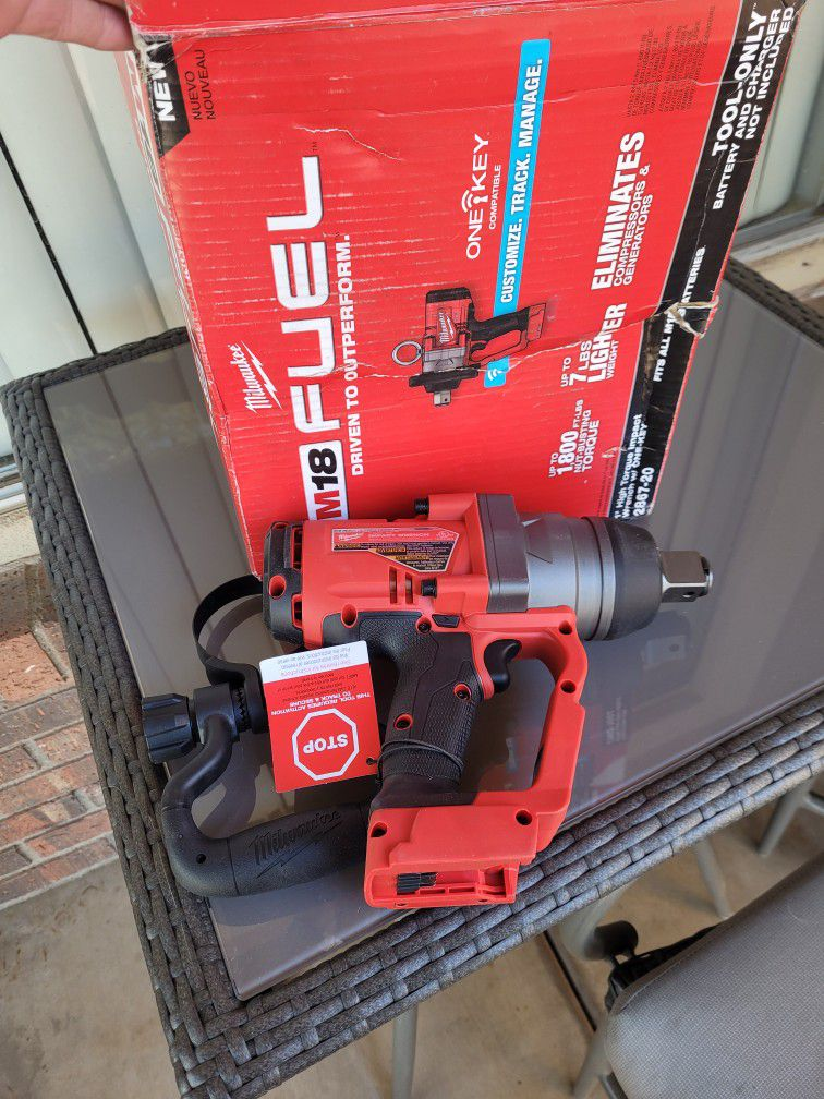 """Milwaukee 1""""higt Tequesta Impact Wrench W/ HONE-KEY"""