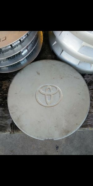 1 Toyota avalon oem factory center cap part number #42603-ac010 for Sale in Lakeland, FL