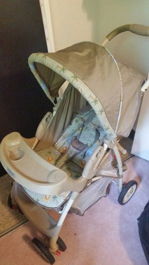 Graco baby stroller for Sale in Beaver Falls, PA