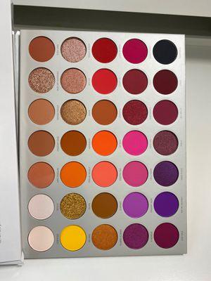 Photo Jaclyn hill MORPHE Vol 2 eyeshadow palette (cosmetics makeup make up)