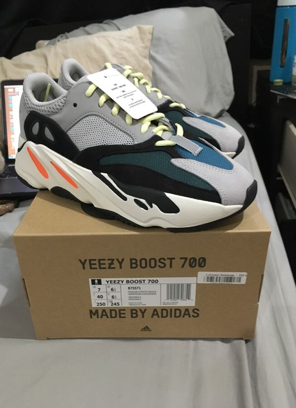 7fc3e8fae7c yeezy 700 size 7 B75571 wave runner 350 v2 for Sale in San Jose